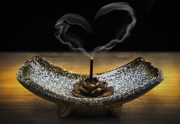 Ritual de purificación: Cómo despejar nuestra casa de energías negativas
